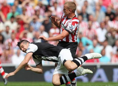 Lee Cattermole delivering another robust (but completely fair) challenge.