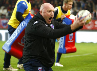 Bernard Jackman gets very involved in Grenoble's pre-match preparations.